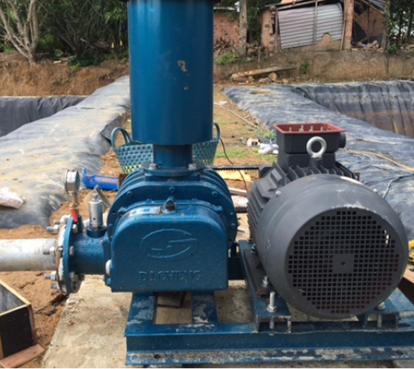 Customer using site of roots blowers